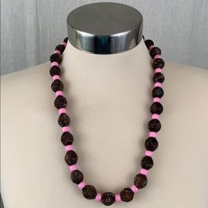 👑 LOVELY BEADED NECKLACE